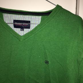 Sweater fra Blue Link Herresweater, god stand Passer en M/L  Byd gerne:)