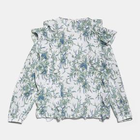 Fin bluse fra Zara, brugt en gang Str L - men vil mere sige det er en str M😊