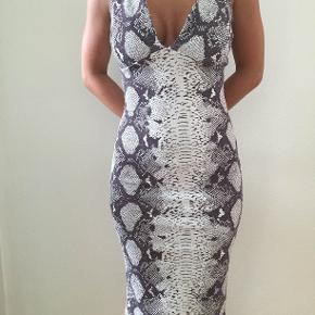 Snake slange kjole med tynde spaghettistropper