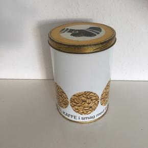 Cirkelkaffe metaldåse retro  Gl kagedåse  dåse. Småkagedåse kaffedåse  Ca 30x15  Sender gerne   Se flere annoncer
