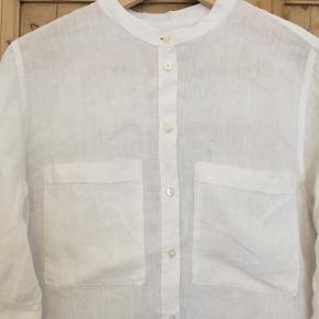 Hvid skjorte str. 40. Ginatricot