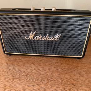 En mega god højtaler fra Marshall. Det er den lille version der hedder stockwell. Sælges kun hvis køber kommer og henter den