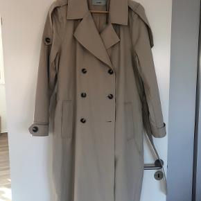 Moves by Minimum trenchcoat