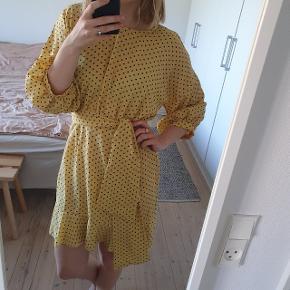 PrettyLittleThing kjole