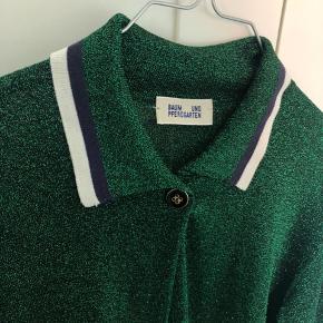 Ingen brugstegn :) Smuk glimmer grøn cardigan