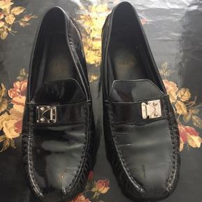 Blanke Louis Vuitton Loafers i en comfy udgave. Byd gerne
