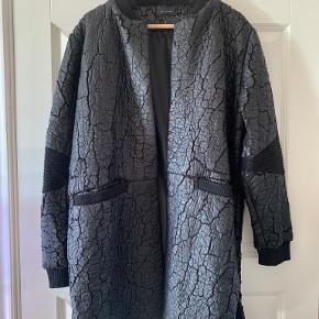 Stine Ladefoged jakke