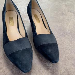 Heels fra Gabor i størrelse 7,5 (cirka en 41) 🌷  Nypris: 600 kroner 💸