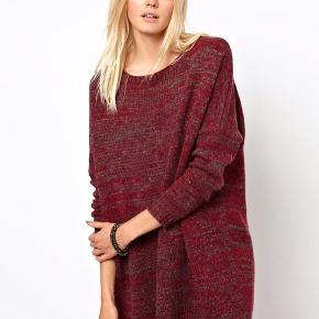 Stor strik sweater med trekvart ærmer.