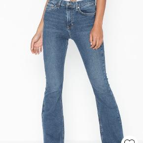Nelly jeans