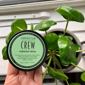 """American Crew """"Forming Cream"""" 50 gr. i travelsize - voks med medium hold og medium glans. Let at anvende og velegnet til alle hårtyper 👨🏻  Byd gerne kan både afhentes i Århus C og sendes 📮✉️"""