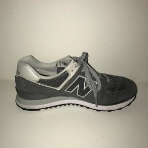 Ny pris 750,- Brugt 1 gang   Str.42,5 Jeg sælger da skoen er for stor.