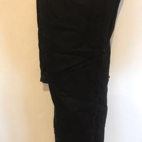 Sorte jeans med lynlås str xs Byd
