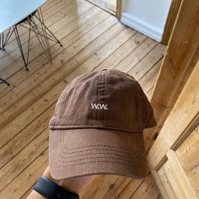 Wood Wood Hue & hat
