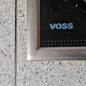 Voss kogeplade. Fejler intet. Standard mål. Passer i et hul på 48 x 55. 60 cm skab.