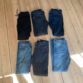 Jeans og bukser til salg.  De er i størrelse 27-29W og er i god stand. Sælges ultra billigt! Mads Nørgaard, Levi's, Diesel, Enfin Leve, Samsøe Samsøe. Tag dem alle for 200 kr + fragt.