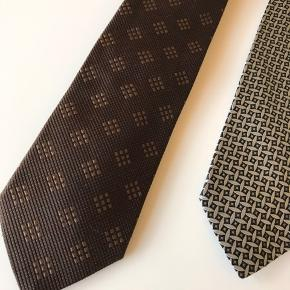 Hugo Boss brugt 2 gange Armani brugt 3 gange  100% Silke Fremstår som helt nye, begge giver et skarpt look.  Prisen er pr stk.