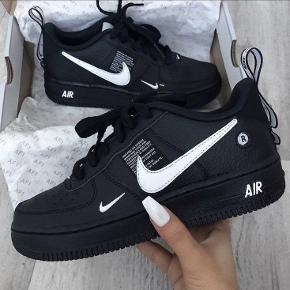 Buy Nike Air Force 1 07 LV8 Utility $486 Today | RunRepeat