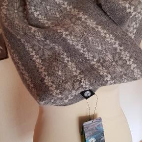 Ice wear, rørhaldtørklæde, kan tages op om hovedet også 70 Wool, 20 angora og 10 nylon