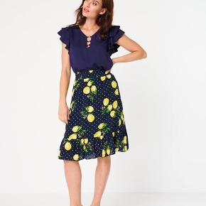 Smashed lemon  nederdel med skønt citron print - str 40. Har også den matchende top