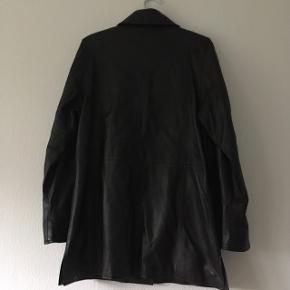 Vildt lækker ægte læder jakke, 100% lamme læder. Str. M