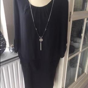 f493df9e3ef Brand: Yessica Varetype: Str. 42/44 ny kjole Farve: Sort Rigtig