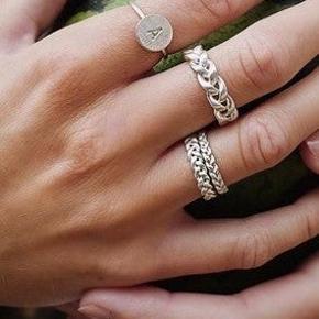 """flot sølv ring fra Jane Kønig i modellen """"stor fletting""""💛"""