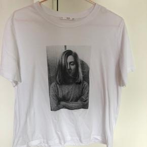 T-shirt fra Mango 🦚 Ikke særlig stor i størrelsen så den fitter også M ☀️