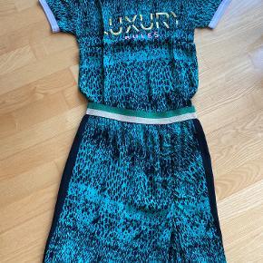 Nü anden kjole & nederdel