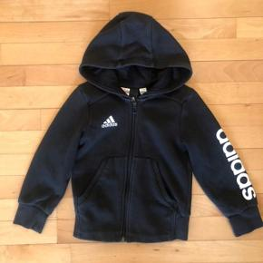 Adidas sort hoodie m lynlås str 116 cm
