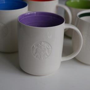 Starbucks krus, brugt meget lidt, sælges til 20kr hver. 3 af dem er det samme model.  3 x 335ml 1 x 414ml 1 x 354ml Kan hentes i Hellerup/Charlottenlund eller København.  Byttes ikke.