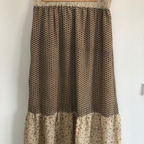 413217f1aba Sød lang nederdel fra Sissel Edelbo. Total længde 88 cm Elastik slapt 72 cm  Elastik