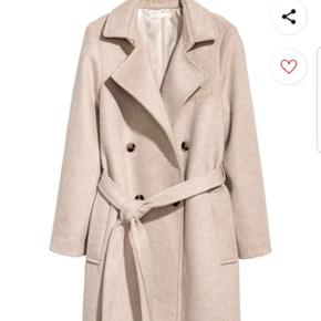 Helt ny jakke fra H&M i str 40 - stadig med tags - nypris 850