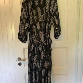 GOA anden kjole & nederdel