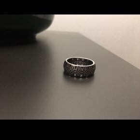 Super fin Pandora ring i str 54 sælges kun brugt et par gange ses overhovedet ikke.
