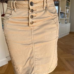 Pulz nederdel