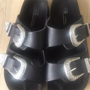Asos sandaler med sølvspænde brugt få gange