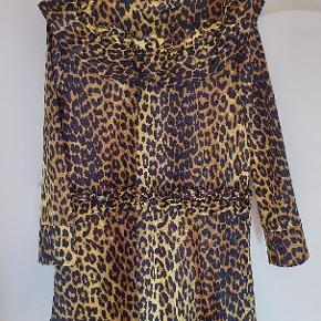 Ganni Bijou Minion Yellow kjole. Lille i str - passer en str. 38-40. Materialet er fast og kan ikke give sig. Brugt få gange - det ud som ny.