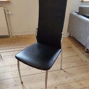 Fine spisebordsstole, er gode men brugte 4 stk. 500kr