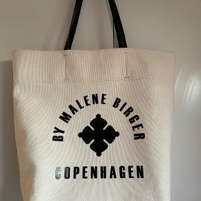 By Malene Birger skuldertaske