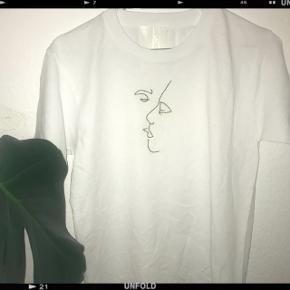 ❌FÅS OGSÅ I SORT T-SHIRT❌ (100inkl)sælger disse T-shirt fås også i  Blå,gul,grøn,rød,lyserød,grå,hvid,sort,lilla, Orange