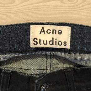 Lækre jeans fra Acne. Brugt meget lidt. Str. 29/32