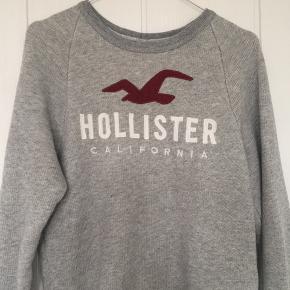 Sælger min sweatshirt fra Hollister da den bare ligger i mit klædeskab og ikke bliver brugt mere desværre. Bare skriv hvis der er spørgsmål:))