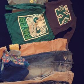Tøjpakke str 122-128.  I rigtig fin stand, noget af tøjet er aldrig brugt, andet kun brugt enkelte gange.