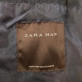 Brugt men ingen tegn på skade:) Bomberjakke for Zara  BYD!