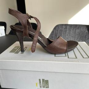 Fitz - Funny Spirit heels
