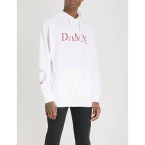 💚 Ægte Kendrick Lamar merchandise købt på hans DAMN tour 💚 brugt hoodie, men standen er stadig fin 💚 sælges hvis der kommer et fint bud   💚 der handles enten over trendsales og sendes med DAO eller i person  💚 10% på hele købet ved køb af flere ting