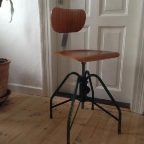 Tysk industri stol fra 1940'erne i perfekt stand.
