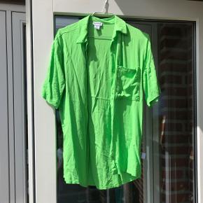 neon grøn kort ærmet skjorte Brugt 1 gang