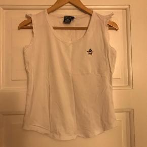 Varetype: T-shirt Farve: Hvid Prisen angivet er inklusiv forsendelse.